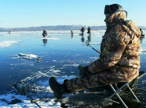 рыбак на льду